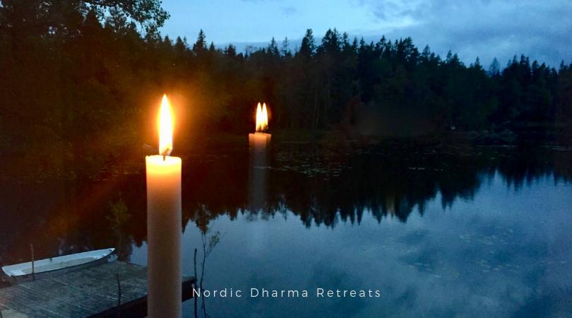 Silent retreat. Mindfulness, indsigts meditation. Nordic Dharma, København.